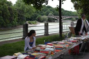 Bücher an der Isar